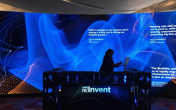 작년에도 그랬지만 올해 re:Invent도 항상 음악과 함께합니다. 그것도 힙한 음악으로…