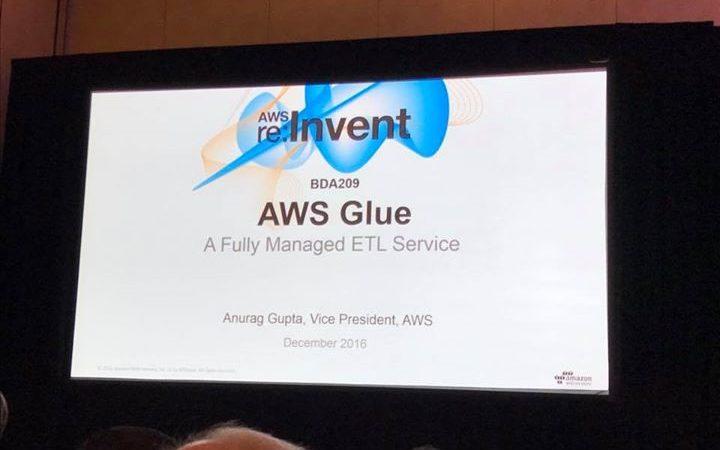 새로 발표된 AWS Glue 세션에 왔는데 예전에 Red-shift 처음 발표…